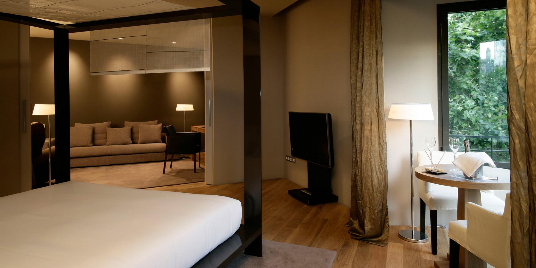 Hotel omm barcelona spain revpar marketing for Design hotel valencia spain